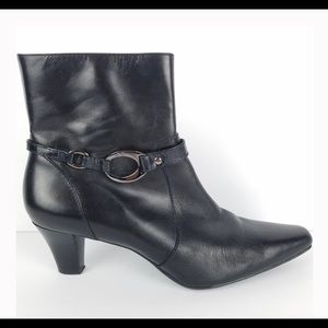 Anne Klein Gambler Black Leather Ankle Booties EUC